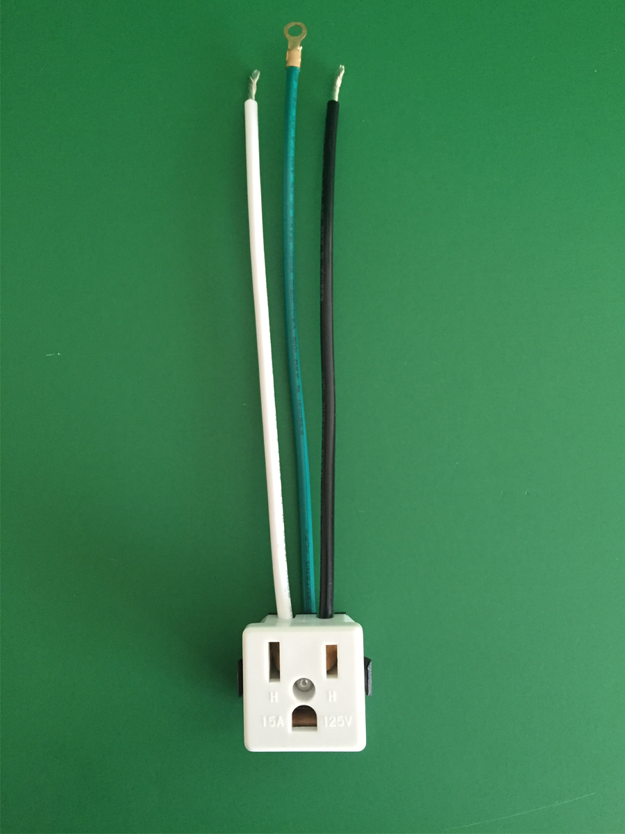 Convenience Outlet With 8 LUG in White